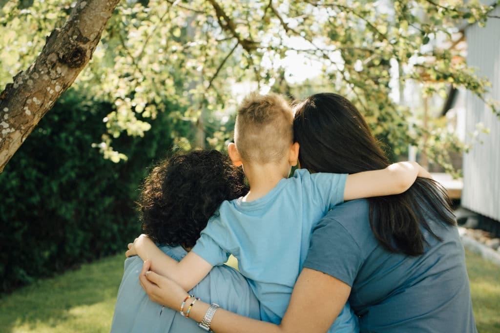 Madres Lesbianas, ¿Qué debes saber antes de tener un hijo? madres lesbianas